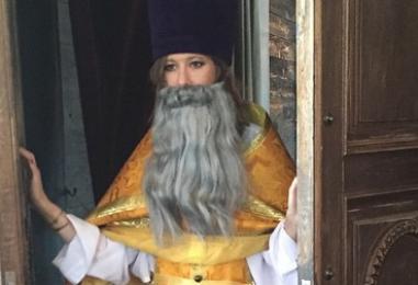 Батюшка Ксения. Известные люди о церковном скандале с Собчак