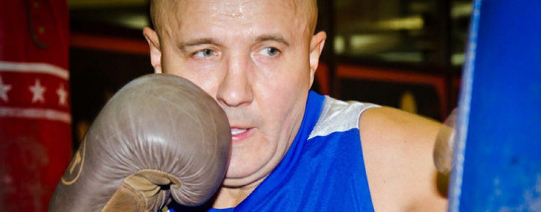 Оппозиция должна не маршировать, а встать на колени, считает Николай Лукинский
