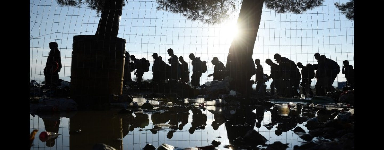На сколько миллиардов попала Европа? Что делать с мигрантами?