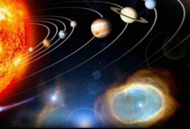 Планеты построились — Рита Че собралась погонять  в космосе.